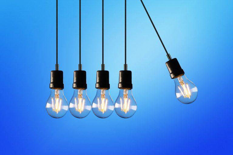 Jak vybrat chytrou žárovku?